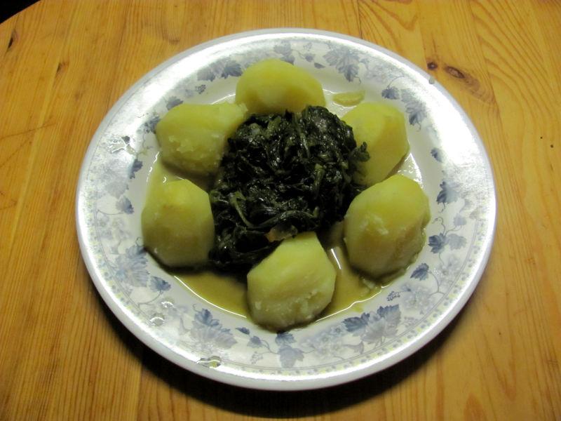Spinat-Ingwer mit Kartoffeln