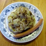 Bratkartoffel,Weißkohl mit Würstchen