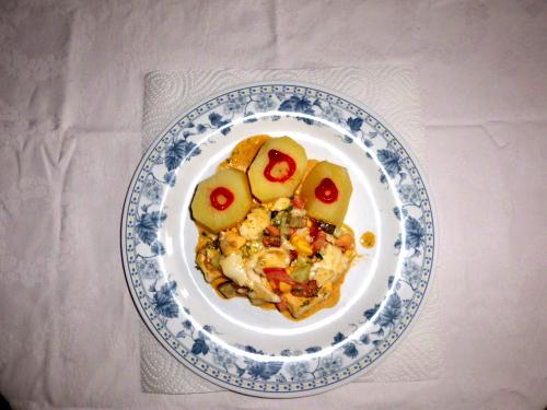 Chilikartoffeln-mit-Gemüseeiersalat